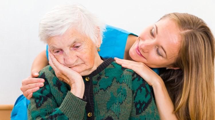 Come riconoscere il morbo di Alzheimer: sintomi e segnali