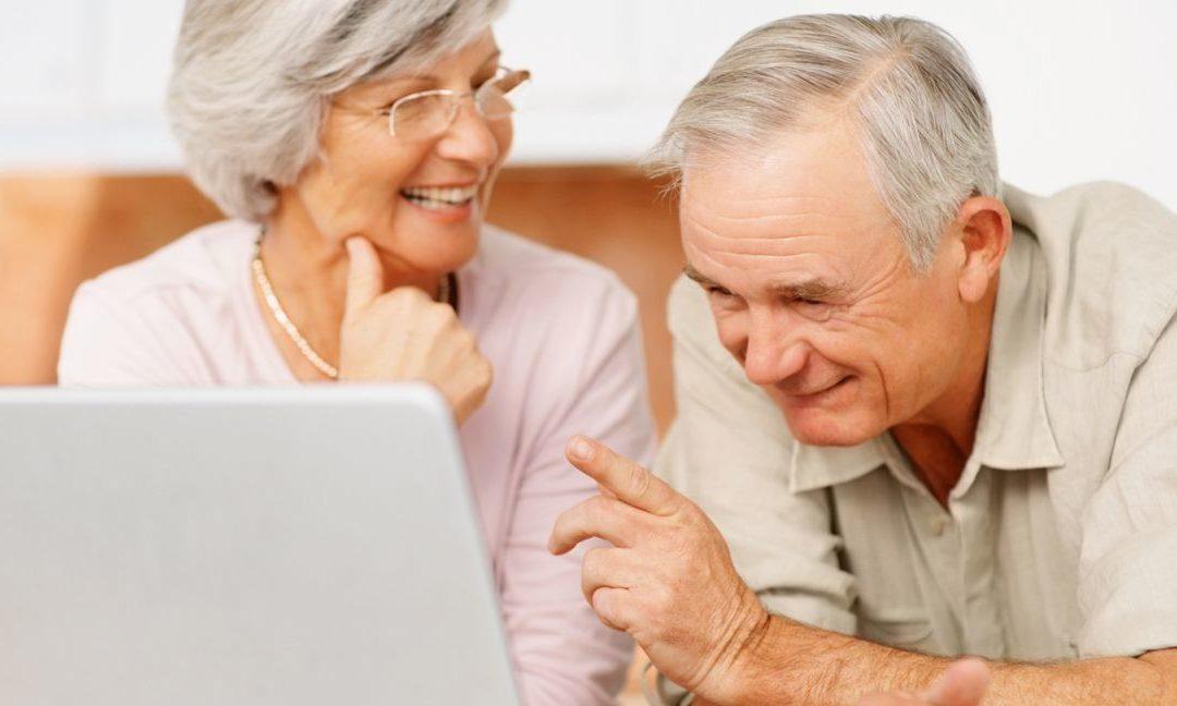Tecnologia: anziani sempre meno soli grazie ad Internet