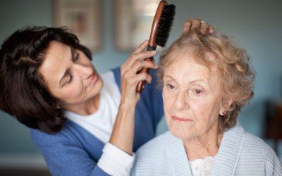 Caregiving, difficoltà e rischi per chi si occupa degli anziani icare iCare – Servizi a domicilio per anziani e disabili caregiving 400x250