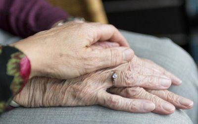 Alzheimer e comunicazione non verbale: i nostri consigli [object object] iCare mobile – Servizi a domicilio per anziani e disabili comunicazione 400x250