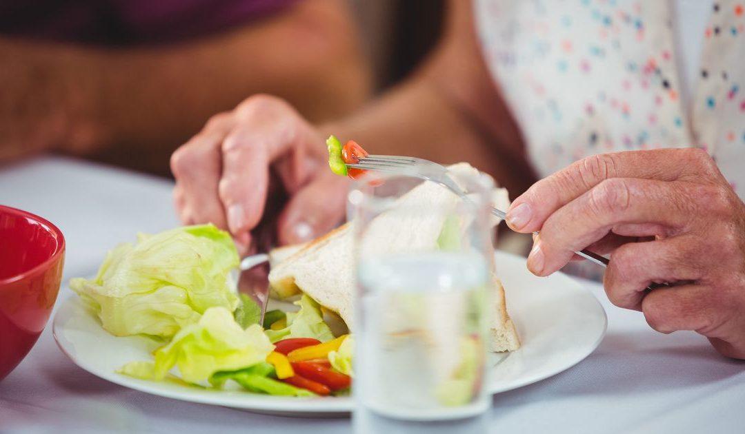 Anziani e malnutrizione: l'importanza di un'alimentazione corretta