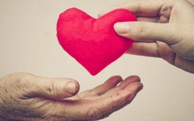 Caldo e cuore: come evitare i malesseri icare iCare – Servizi a domicilio per anziani e disabili cuore 400x250