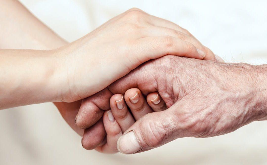 Anziani affetti da demenza, 5 consigli per prendersene cura